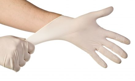 How to Choose Disposable Gloves – Stock Up Before the Next Pandemic