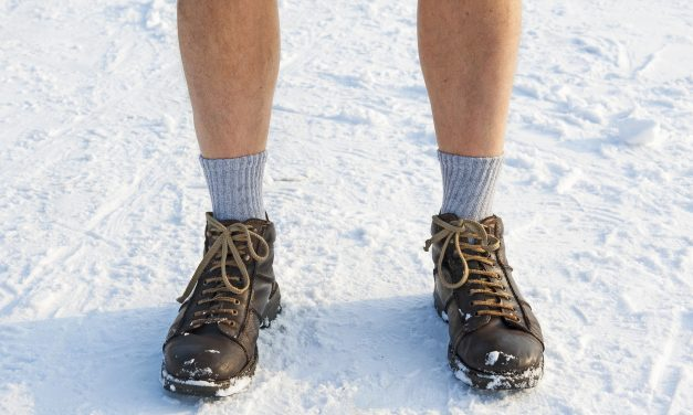Why You Really Need the Best Boot Socks [The Survivalist's Guide]