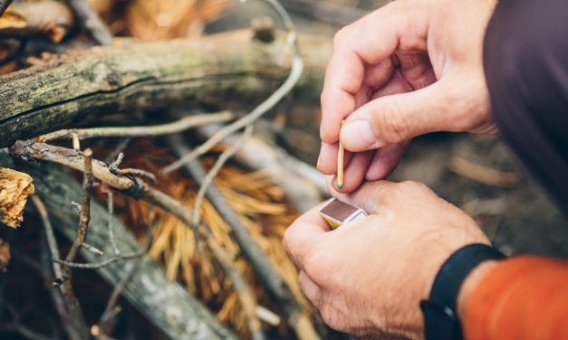 Best Waterproof Matches – Prepper's Guide and Reviews