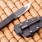 How to Choose the Best EDC Knife [Buyer's Guide and Reviews]